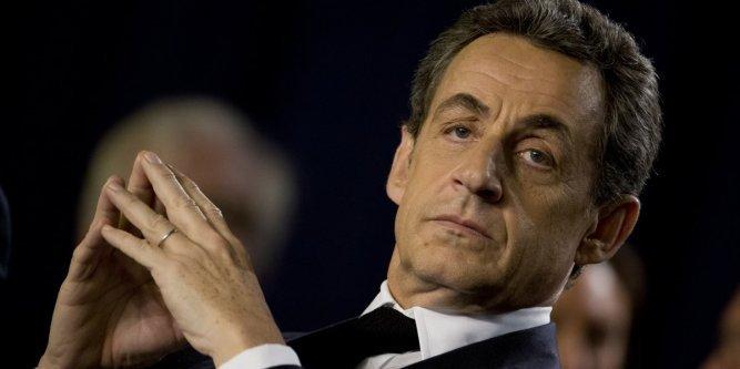 Baromètre mensuel Odoxa : Nicolas Sarkozy boit la tasse