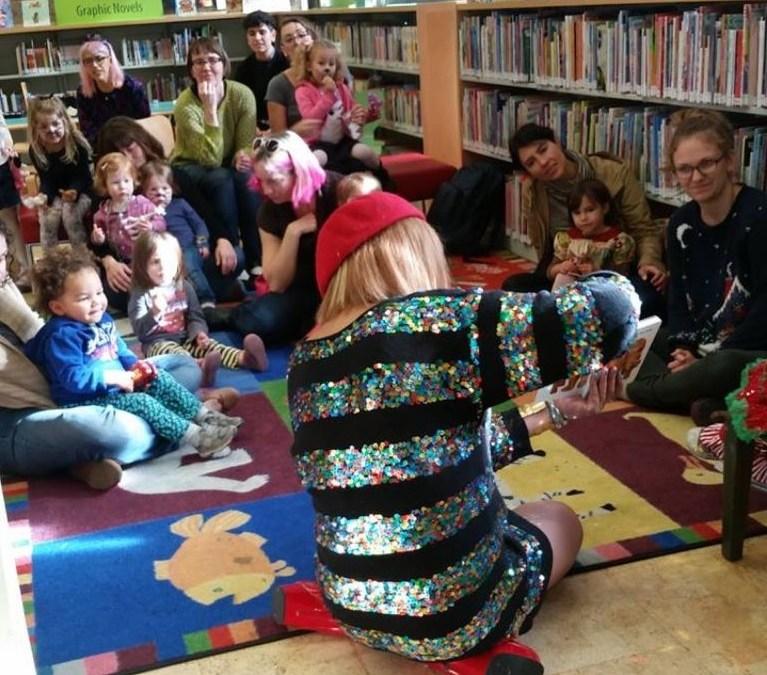 Des drag queens pour lire des contes aux enfants