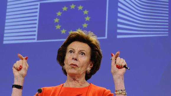Neelie Kroes, ex-commissaire européenne rattrapée par sa société offshore