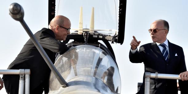 Cazeneuve, Le Drian et Royal soupçonnés d'irrégularités budgétaires