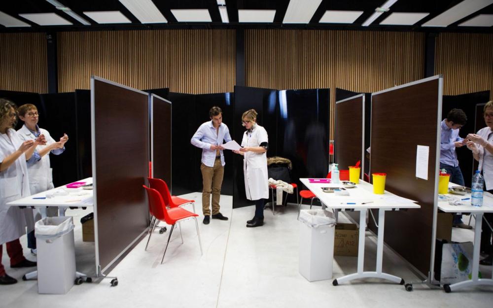 Méningite sur le campus de Dijon: des étudiants refusent de se faire vacciner