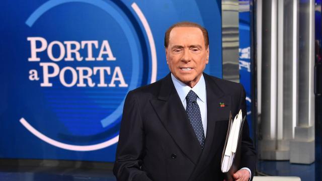 Harcèlement : Berlusconi salue la tribune signée par Catherine Deneuve