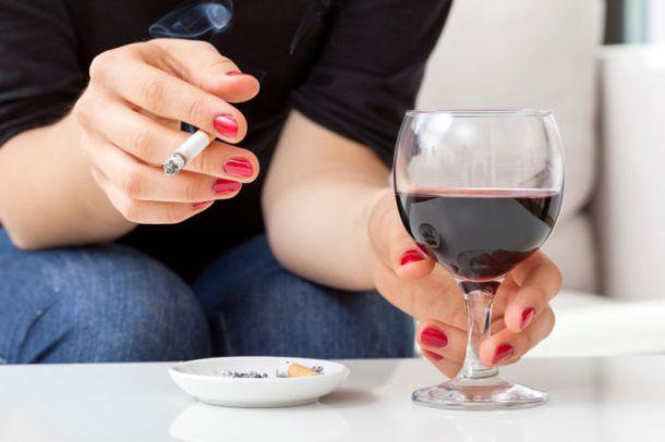Tabac-et-alcool-les-Francais-en-consomment-trop_width1024