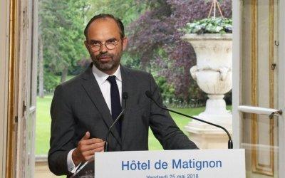 Édouard Philippe « assume » les conditions de travail difficiles à Matignon