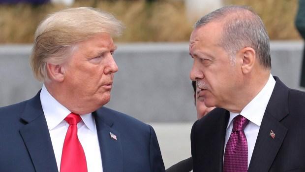 Washington menace la Turquie de sanctions si elle refuse de libérer immédiatement un pasteur américain