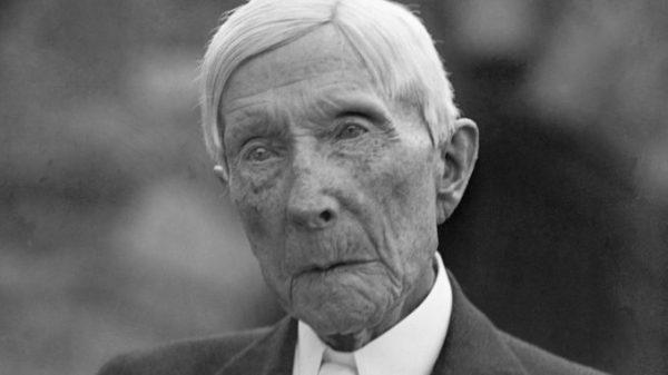 Comment Rockefeller a fondé Big Pharma et a fait la guerre aux remèdes naturels