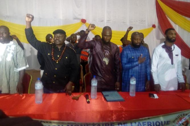 Kemi Seba : 3000 personnes à la Maison du peuple de Ouagadougou pour dire « NON » à la Françafrique