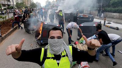 Beyrouth : des « gilets jaunes » manifestent contre la corruption
