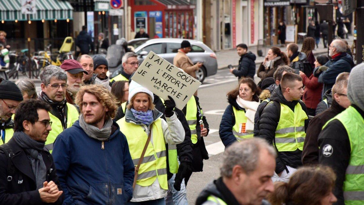 #GiletsJaunes : « Trop de Français n'ont pas le sens de l'effort », dixit Macron