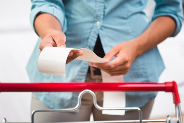 Arnaque grandes surfaces : faire ses courses n'a jamais coûté aussi cher !