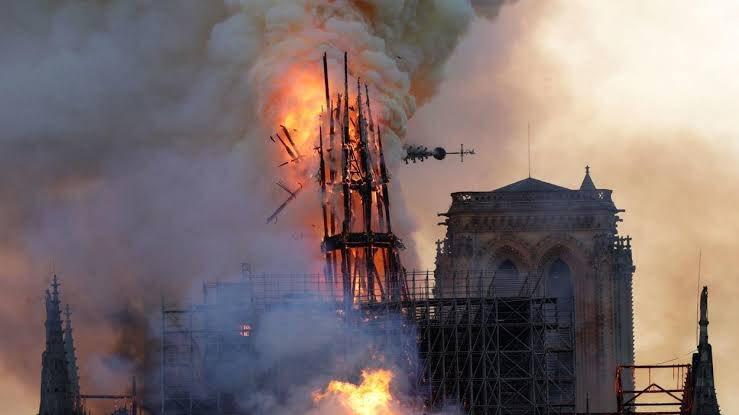 Quelques réflexions sur l'incendie de Notre-Dame