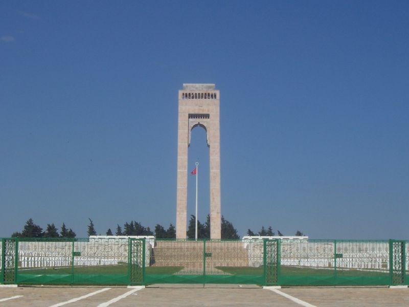 « La France a commis des massacres en Tunisie, elle doit s'excuser et réparer »