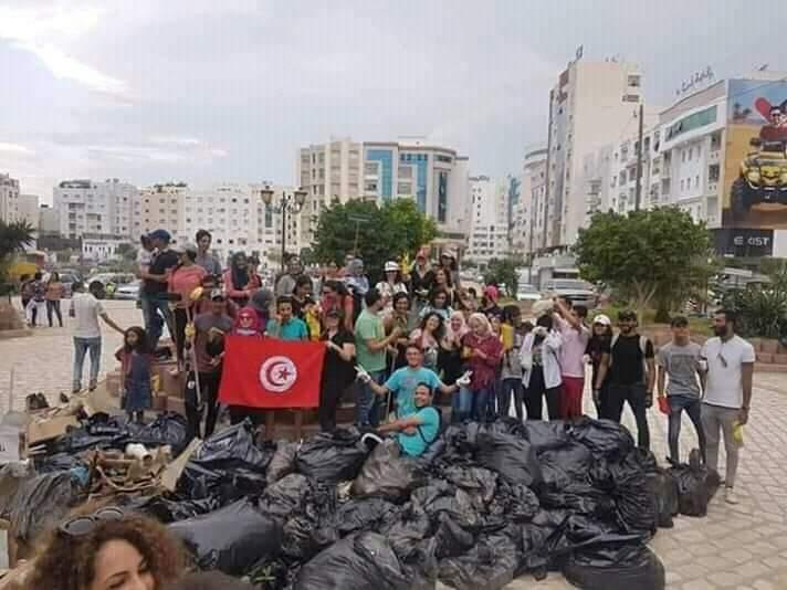 Le peuple tunisien met en place une gigantesque campagne de nettoyage du pays