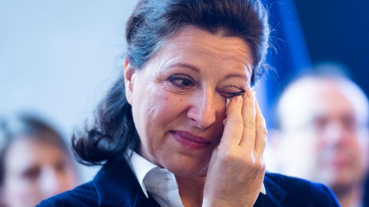 Agnès Buzyn ridiculisée par Jean Lassalle à propos de la fermeture d'une maternité