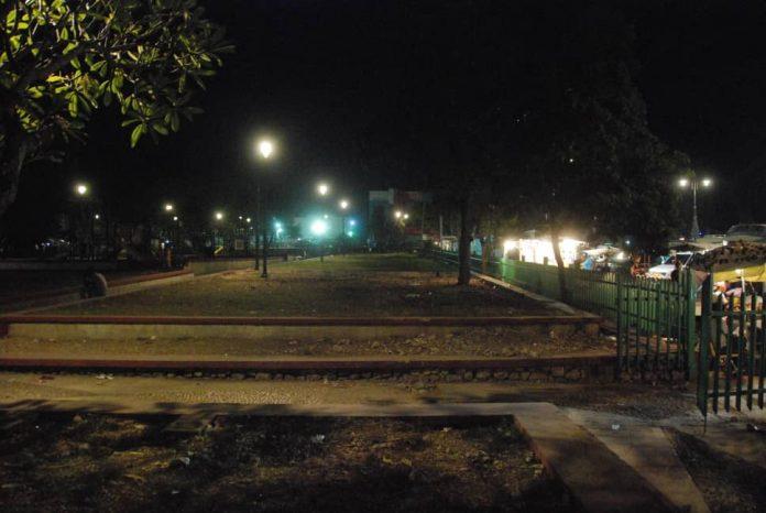 Censure : des individus poignardent deux femmes voilées au pied de la Tour Eiffel !