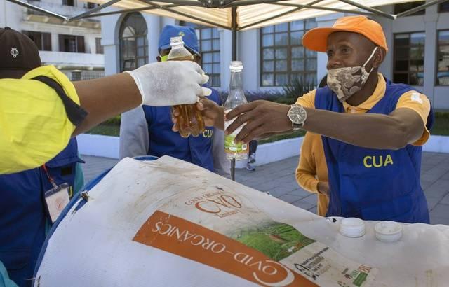 Madagascar : contre le Covid-19, le Président prône la tisane CVO plutôt que les vaccins