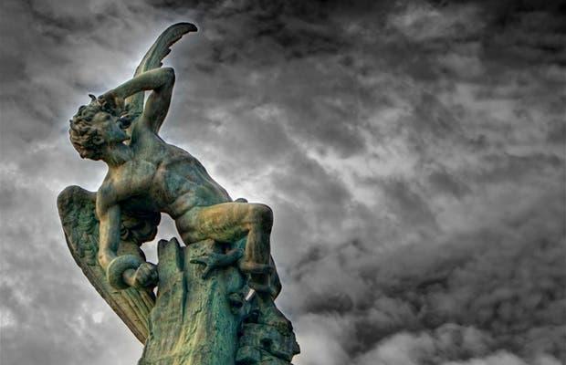 Toute l'histoire de Lucifer, par Lotfi Hadjiat