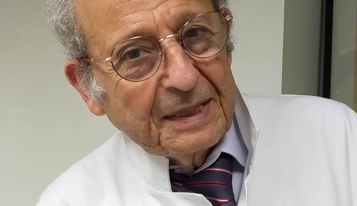 Covid-19 : le Dr Alain Bellaïche, gynécologue, alerte sur les dangers de la vaccination des femmes enceintes et des enfants