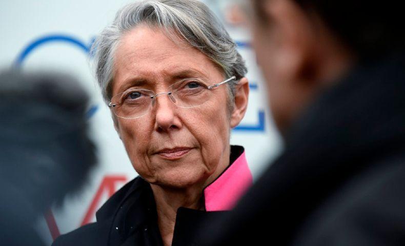 Quand Elisabeth Borne, l'ex-ministre des transports à omis de déclarer à la HATVP son poste d'administratrice d'un lobby des multinationales