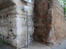 Arco di Dolabella : particolare