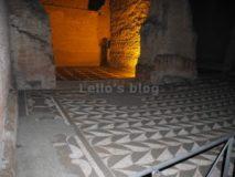 Alle Terme di Caracalla di notte: pavimento della palestra