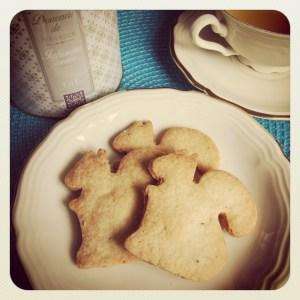 Biscotti tipo Cuori di Prada alle mandorle