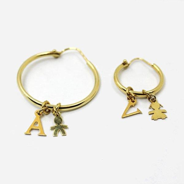 orecchini pendenti con lettera