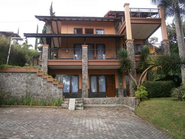 Villa Blok D no 8