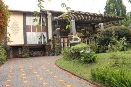 Villa di lembang untuk retreat