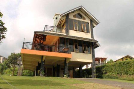 Villa di Lembang Untuk 20 Orang