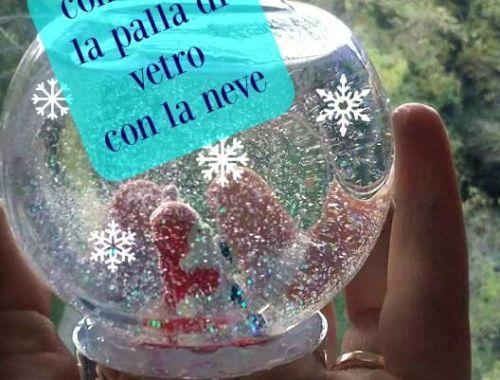 palla di vetro con la neve0