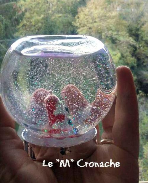 palla di vetro con la neve1