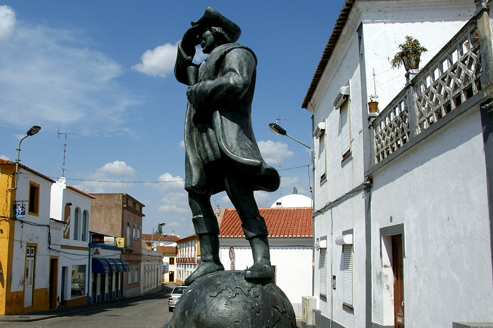 Colombus statue in Cuba, Portugal