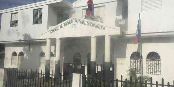 Témoignages accablants des avocats  du barreau Cap-Haïtien sur les dix mois de paralysie du TPI de cette juridiction !
