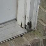 kusen pintu membusuk