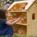 mainan kayu rumah boneka