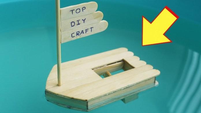 membuat perahu dari stik es krim