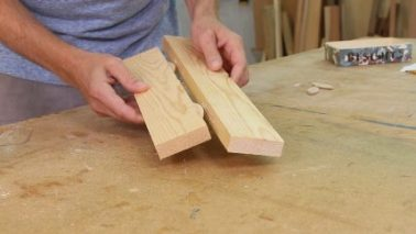 menangkupkan kayu