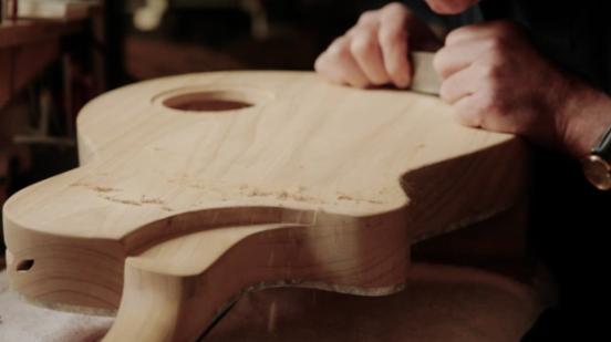 pengeleman gitar clamp
