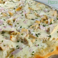 Roasted Garlic Chicken & White Sauce Pizza