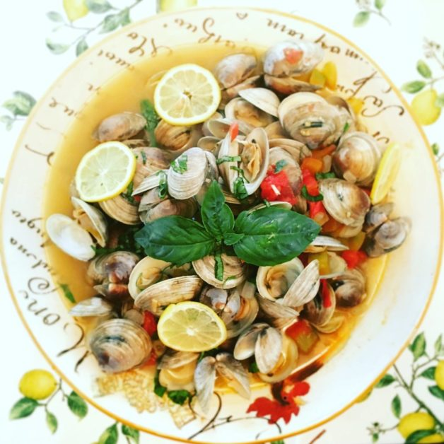 Littleneck clams steamed in white wine, tomatoes, garlic