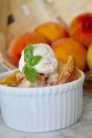 Delicious Fresh Peach Cobbler
