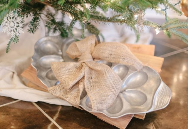 Oyster baking dish under the Christmas tree