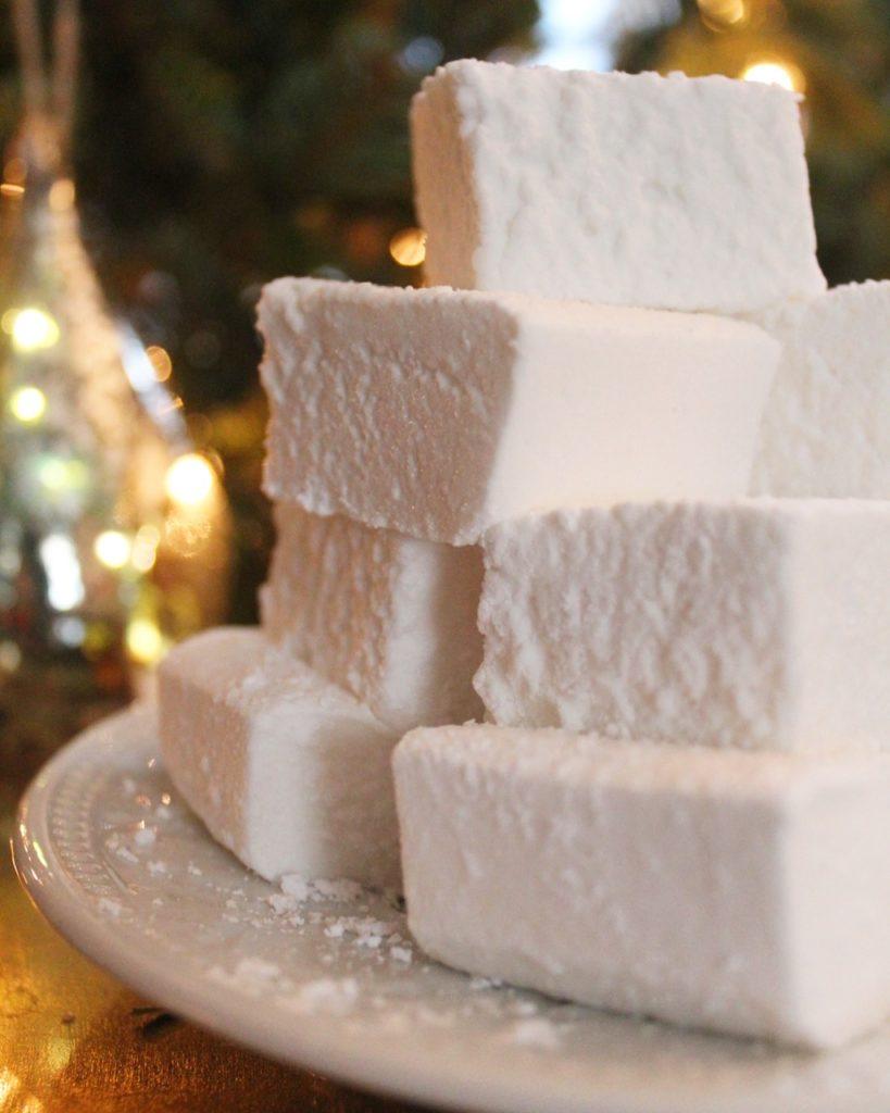 Homemade vanilla marshmallows