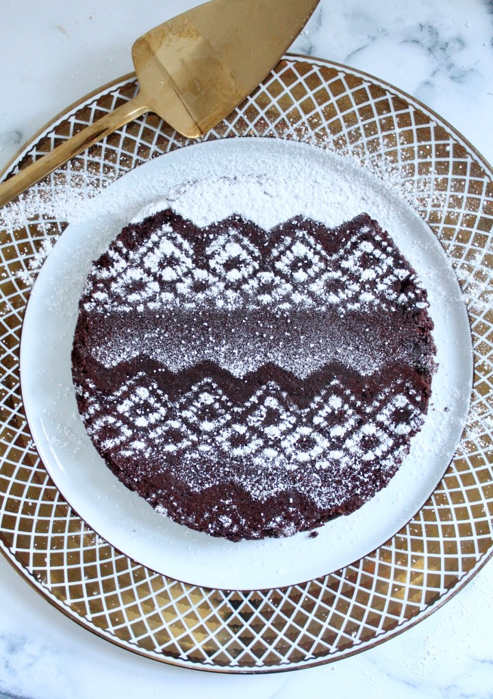 "Flourless Chocolate Cake with Christmas ""Snow"""