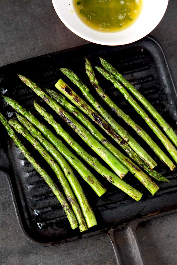 Grilled Asparagus on a cast iron Grill Pan