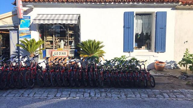 Loueur-de-vélo-île-AIX