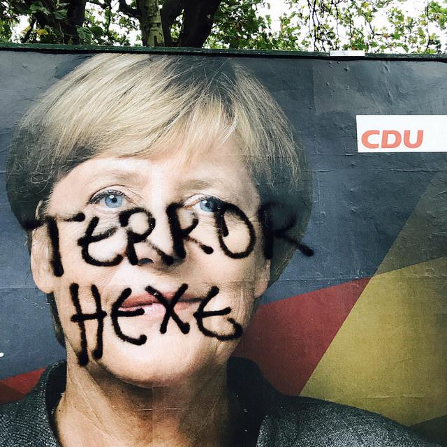 Merkel als Terror-Hexe