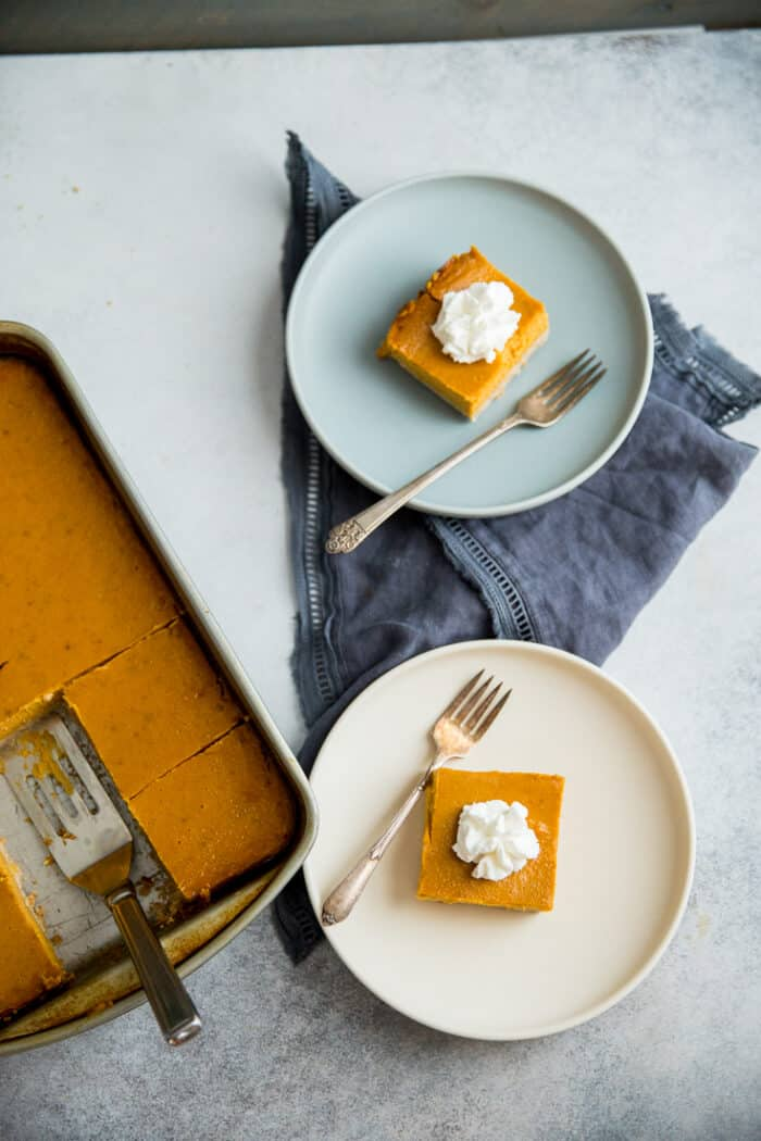 pumpkin pie bars two plates