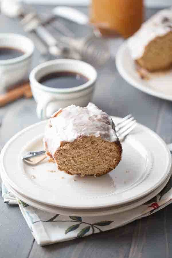 This simple coffee cake recipe will make you wish for fall all year long. The distinct flavor of apple cider permeates through the cake. The sugar and spices are so fragrant and irresistible! lemonsforlulu.com